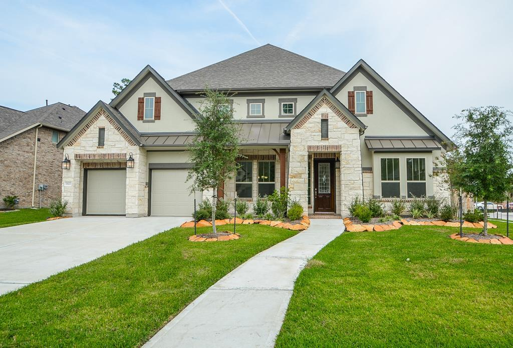 Photo of home for sale at 5802 Majestic Harbor Lane, Kingwood TX