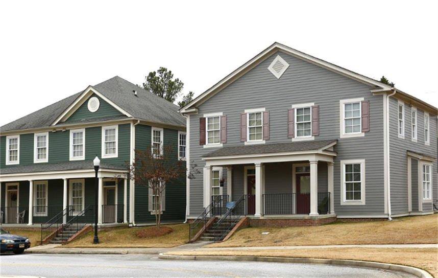 Photo of home for sale at 150 Calhoun Way, Macon