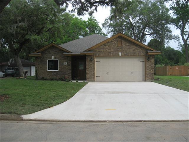 Photo of home for sale at 241 Canterbury Drive, West Columbia TX