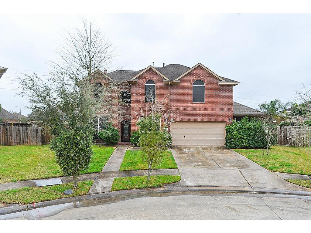 Photo of home for sale at 14103 Tremont Park Court, Rosharon TX