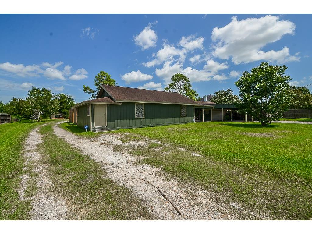 Photo of home for sale at 11657 H Street N, La Porte TX