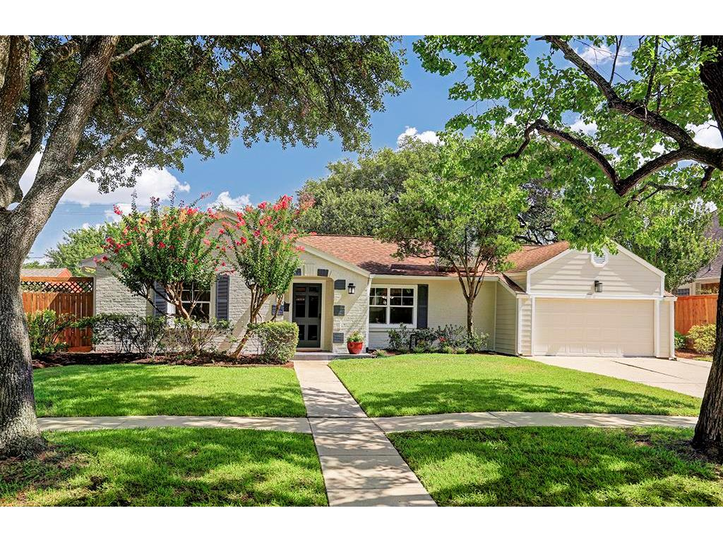 Photo of home for sale at 3791 Syracuse Street, Houston TX