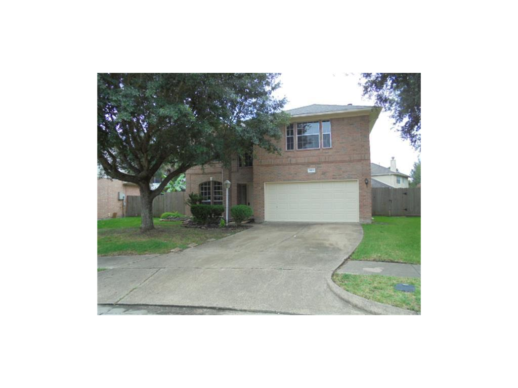 Photo of home for sale at 6508 Sage Court, Pearland TX