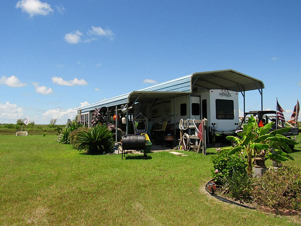 Photo of home for sale at 1069 Joy Street, Gilchrist TX