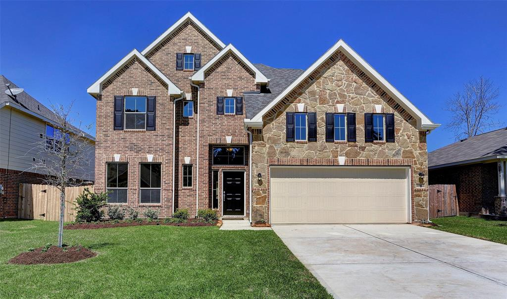 Photo of home for sale at 18922 South Sapling Oaks Place, Magnolia TX