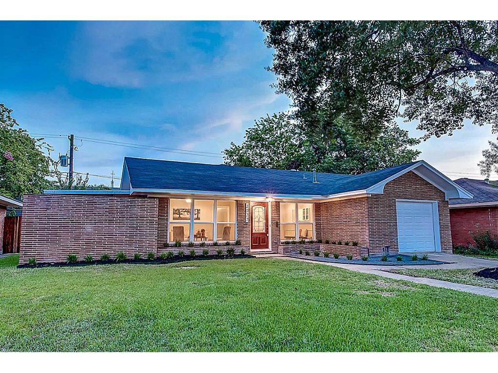 Photo of home for sale at 2027 Brimberry Street, Houston TX