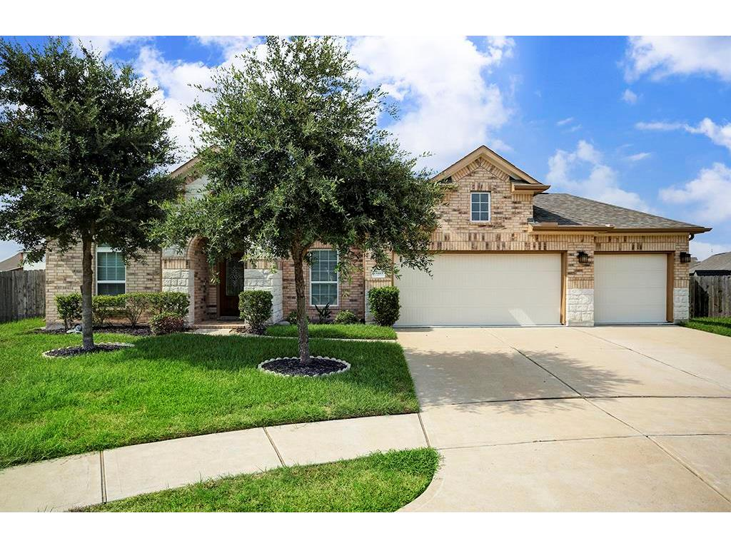 Photo of home for sale at 13403 Harbor Chase Court, Pearland TX
