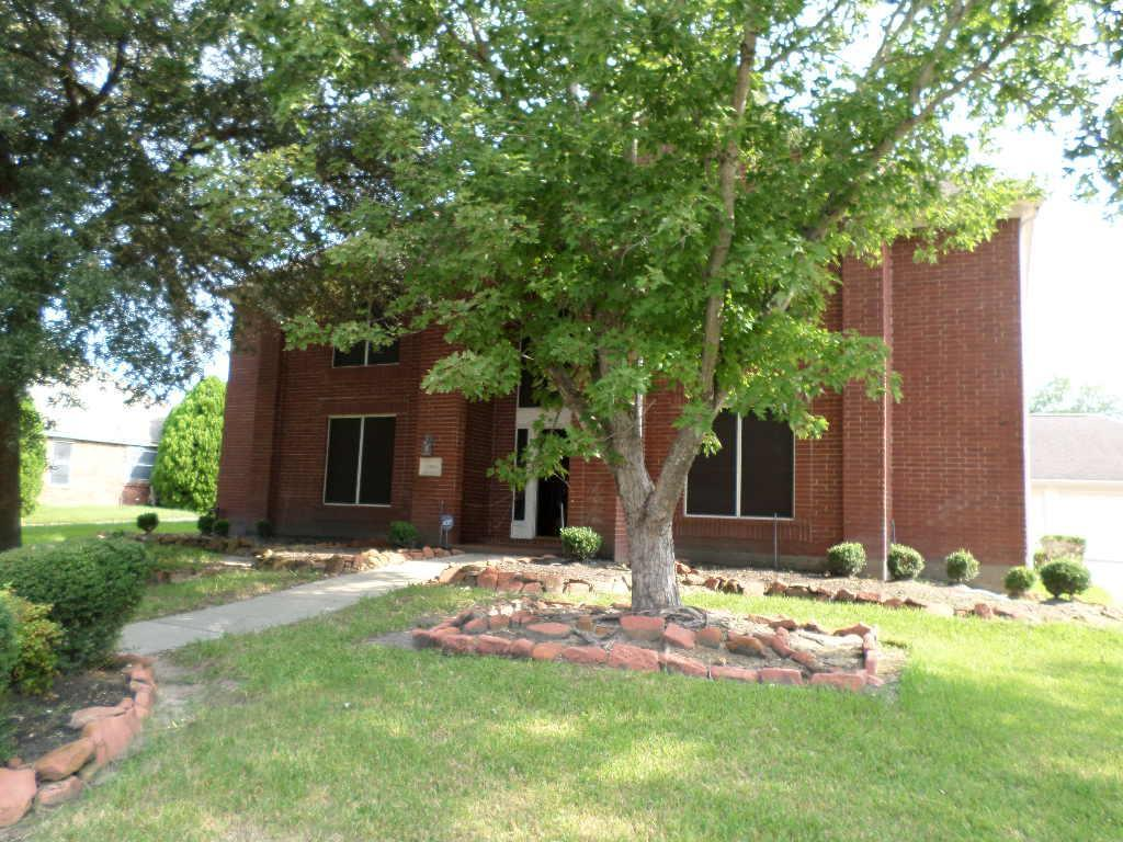 Photo of home for sale at 19814 Cherry Oaks Lane, Humble TX