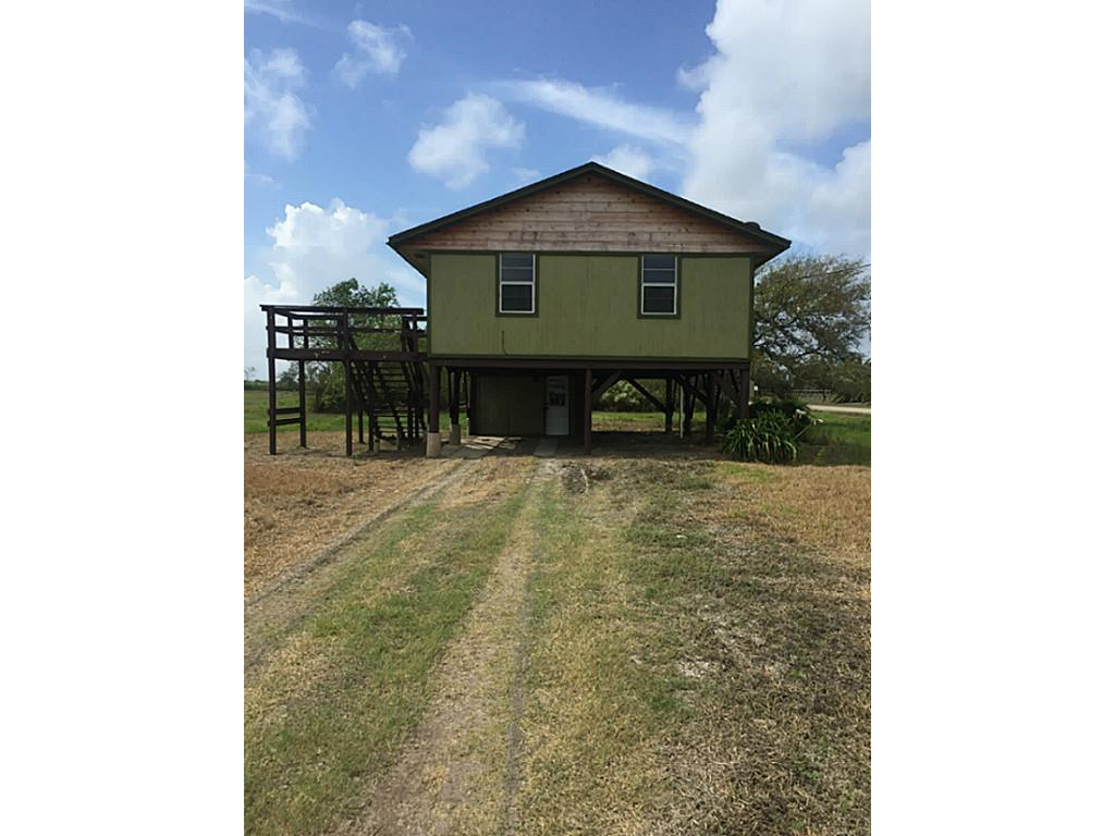 Photo of home for sale at 5108 County Road 868e, Brazoria TX
