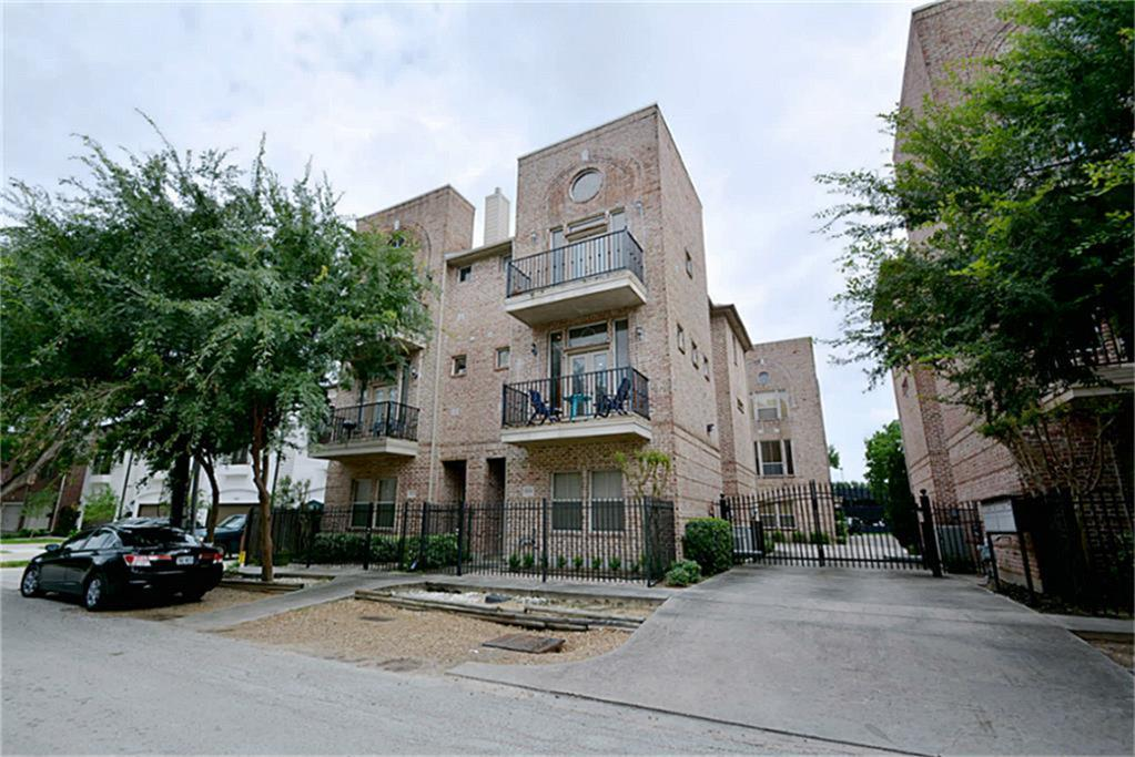 Photo of home for sale at 5214 Eigel Street, Houston TX