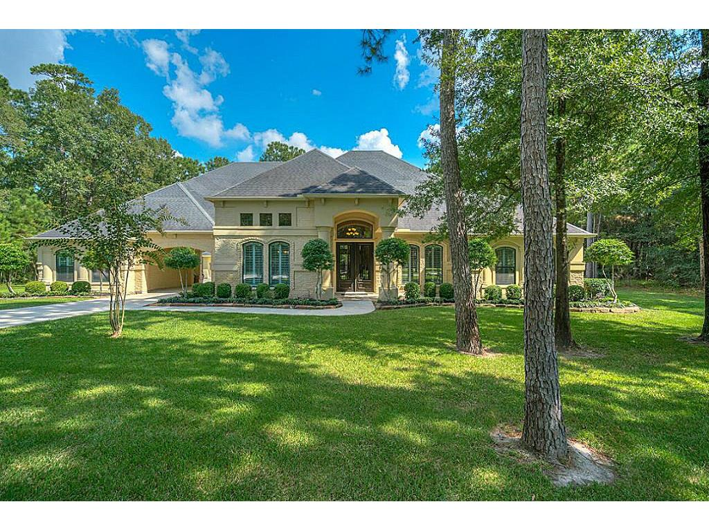 Photo of home for sale at 28510 Waterbend Way, Spring TX