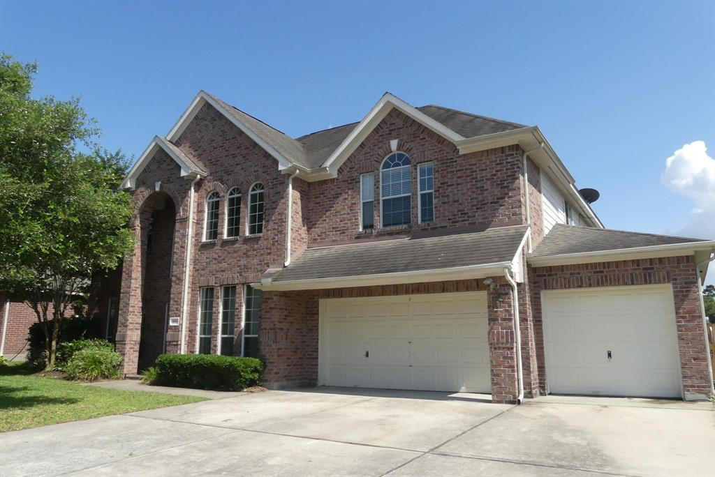 Photo of home for sale at 958 Firthwood Drive, Conroe TX