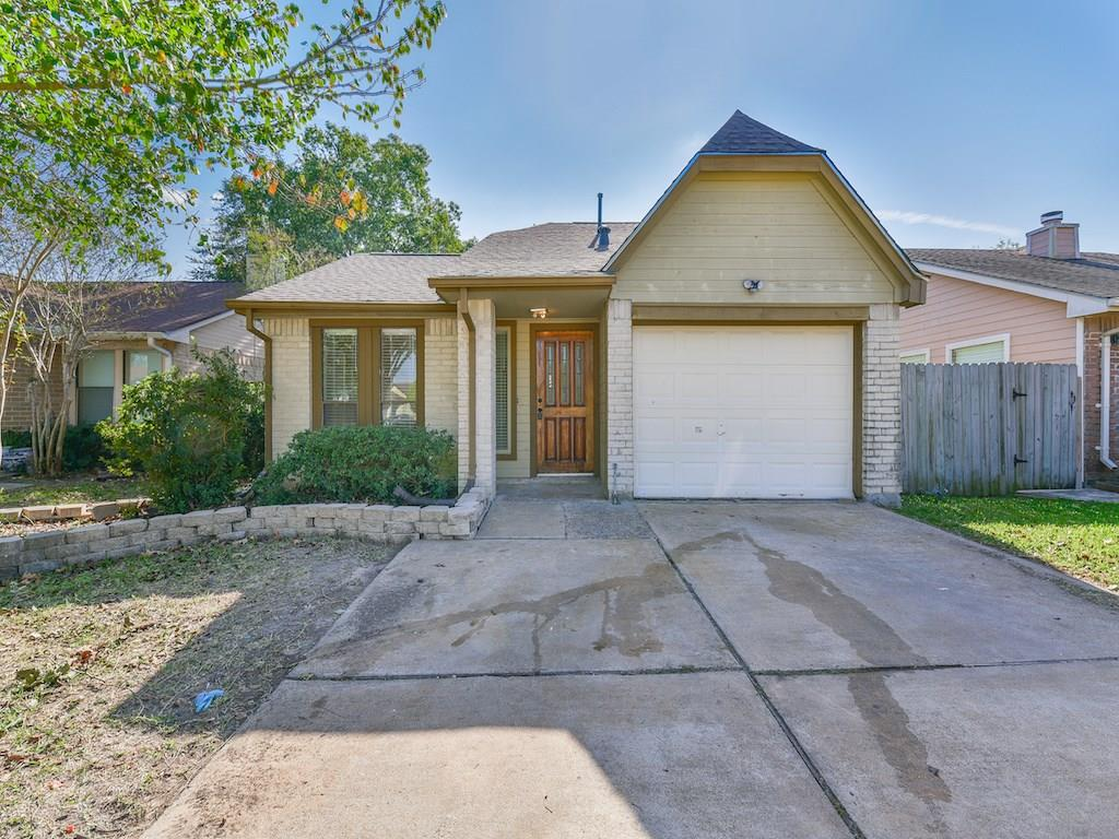 Photo of home for sale at 19919 Sutton Falls Drive, Cypress TX