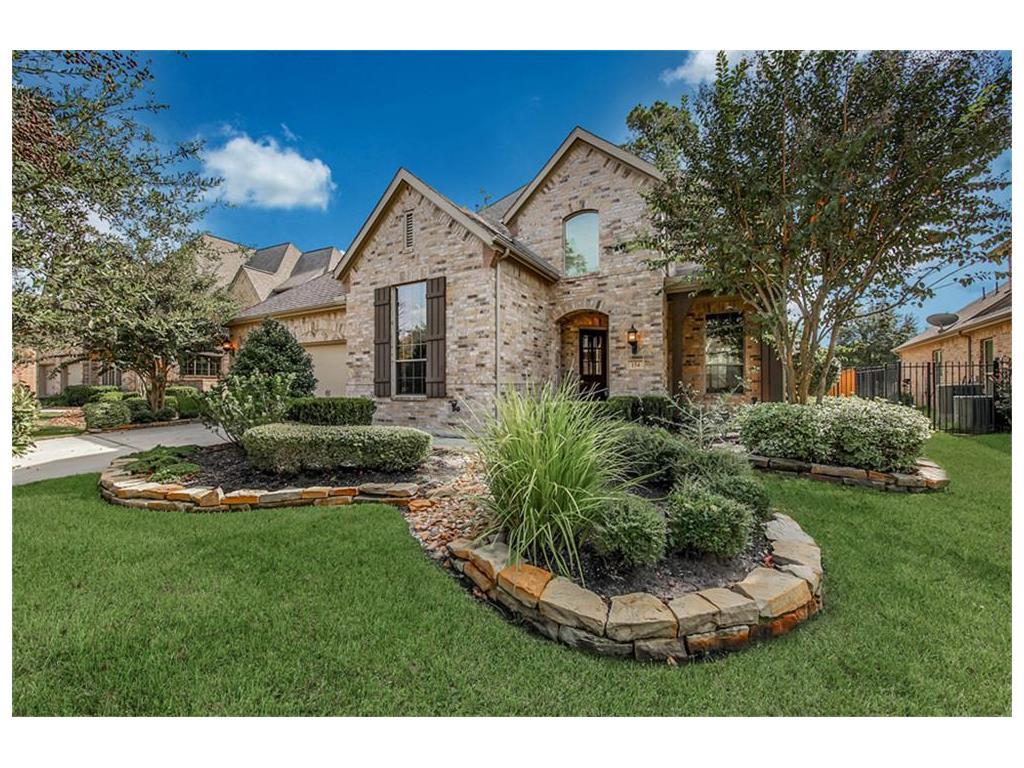 Photo of home for sale at 154 Almondell N, The Woodlands TX