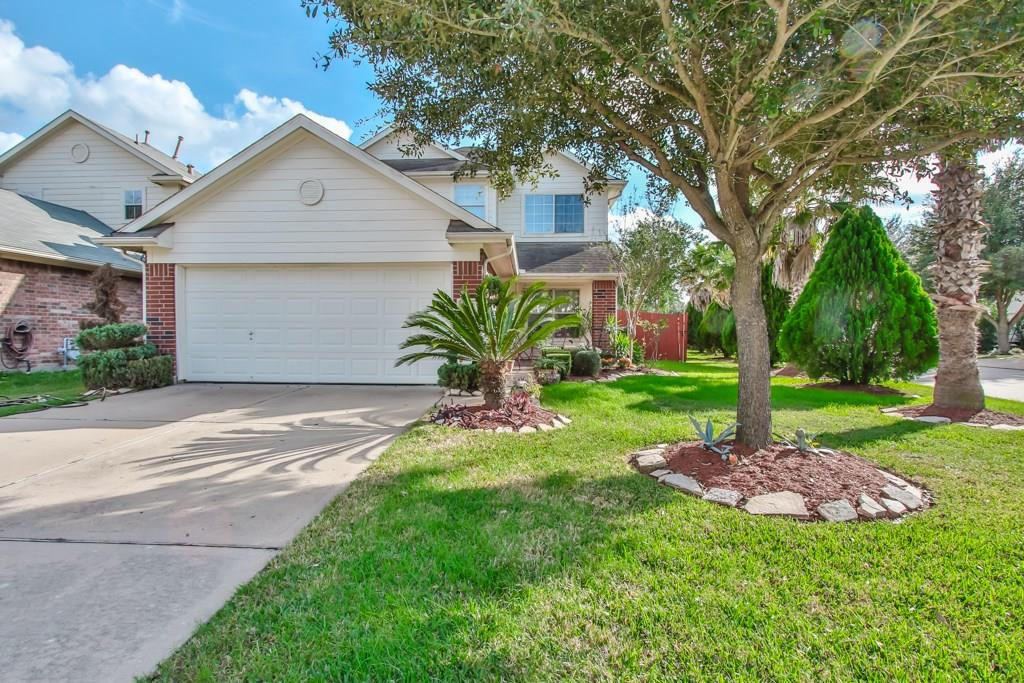 Photo of home for sale at 19327 Moss Meadow Lane, Katy TX