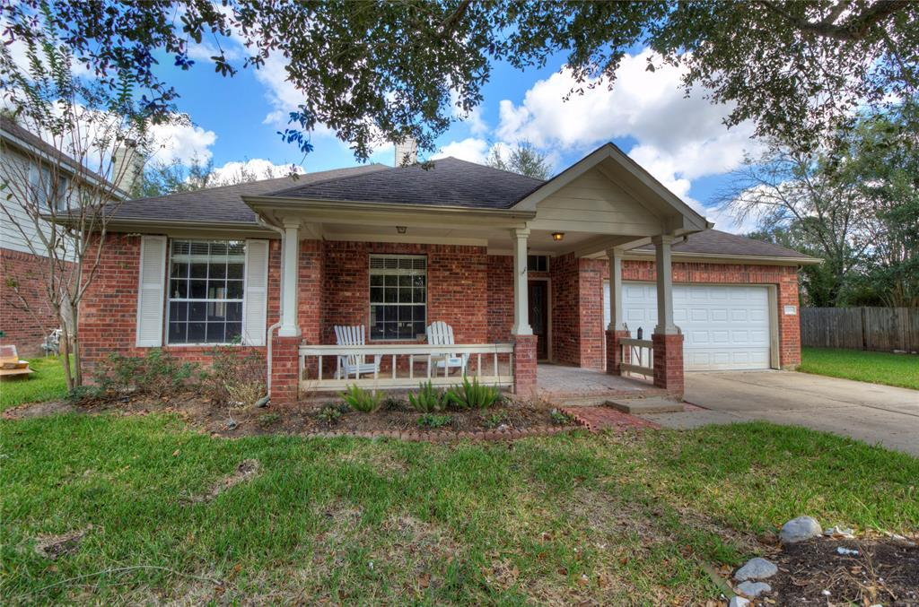 Photo of home for sale at 20018 Black Canyon Drive, Katy TX
