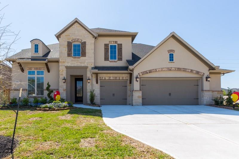 Photo of home for sale at 3736 Forest Brook Lane, Spring TX
