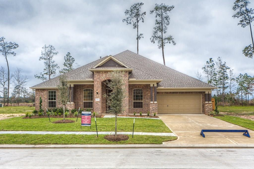Photo of home for sale at 27910 Robinson Park, Spring TX