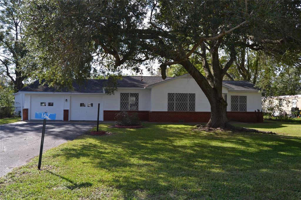 Photo of home for sale at 167 Avenue C, Blessing TX