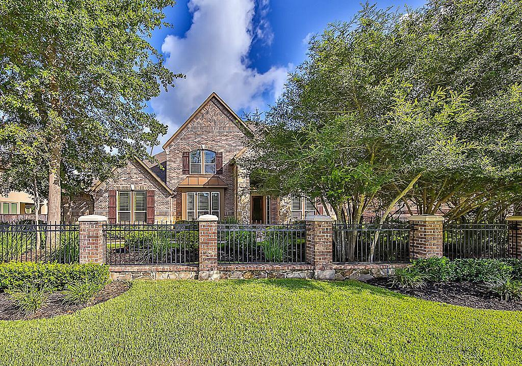 Photo of home for sale at 6942 Lake Paloma Trl, Spring TX