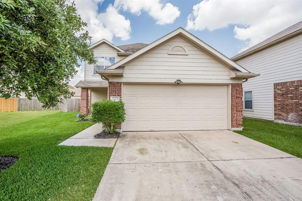 Photo of home for sale at 14907 August Sunset Drive, Humble TX
