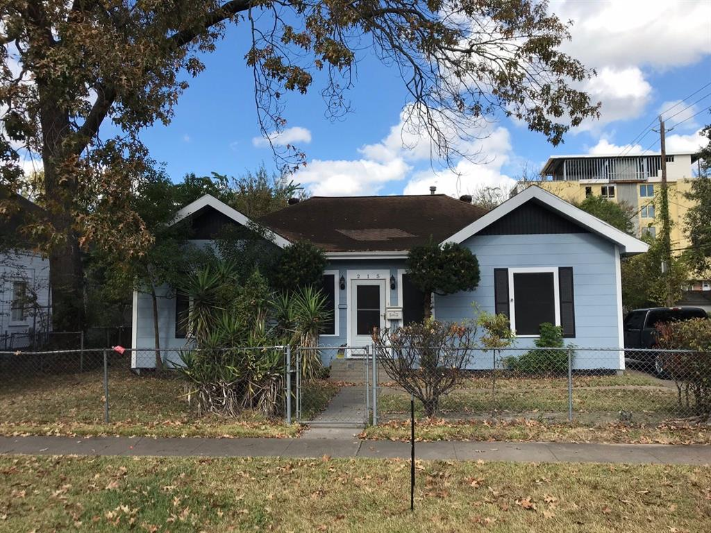 Photo of home for sale at 215 8th Street W, Houston TX