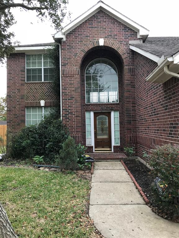 Photo of home for sale at 14807 Horse Creek Lane, Sugar Land TX