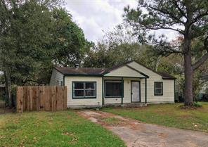 Property for sale at 1316 N Rockisland Street, Angleton,  Texas 77515