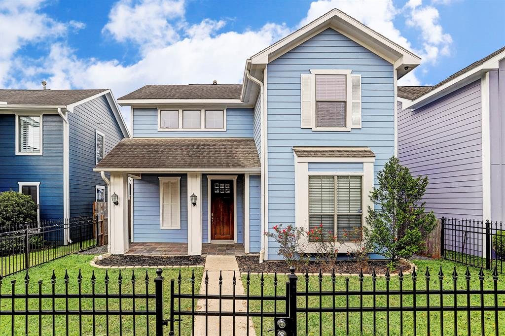 Photo of home for sale at 1117 22nd Street W, Houston TX