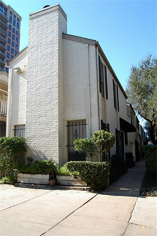 Photo of home for sale at 53 Chelsea Boulevard, Houston TX