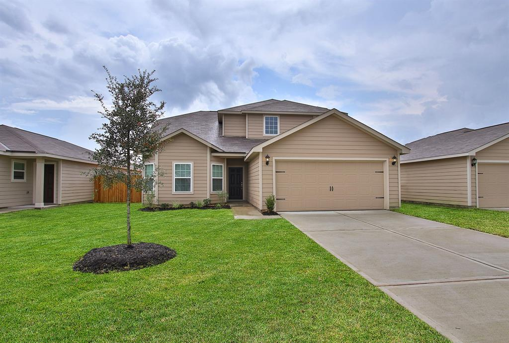Photo of home for sale at 4000 Mimosa Lane, Brookshire TX