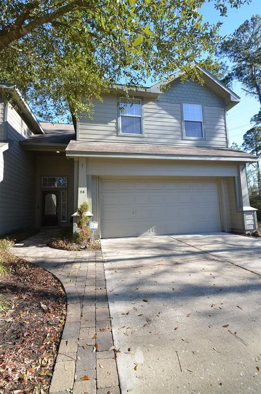 Photo of home for sale at 38 Twinvale Loop W, Conroe TX
