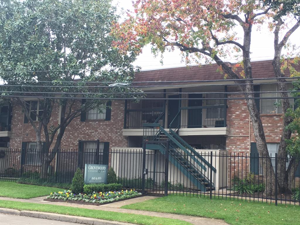 Photo of home for sale at 845 Augusta Drive, Houston TX