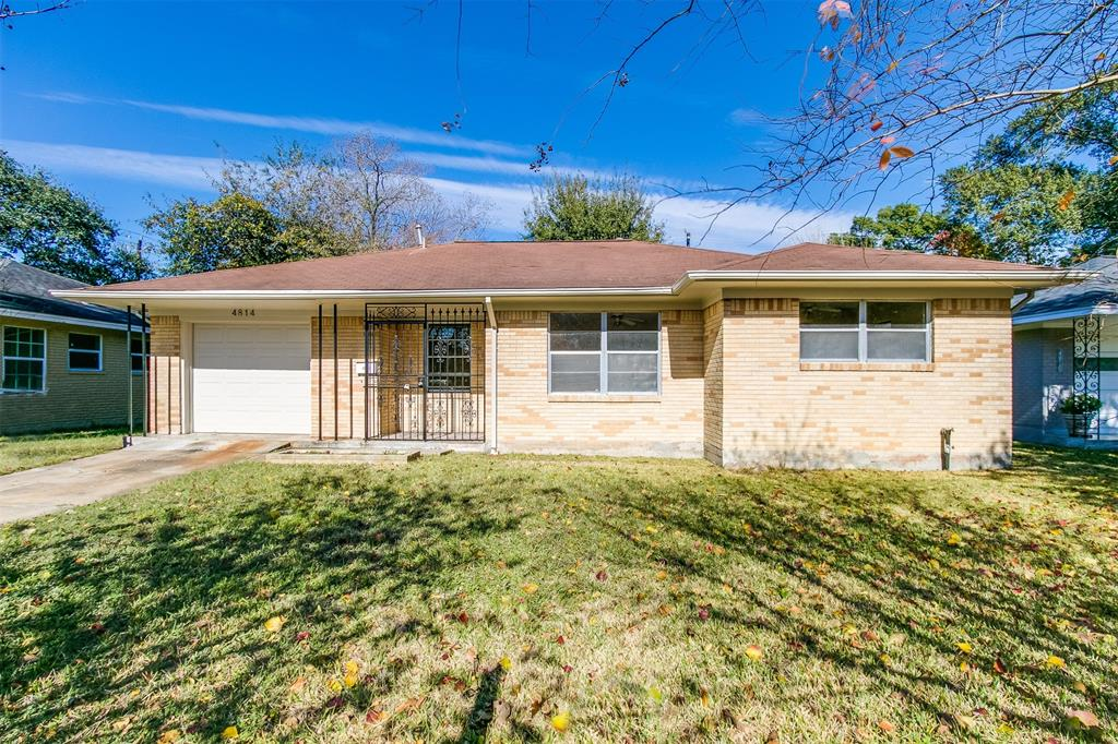 Photo of home for sale at 4814 43rd Street W, Houston TX