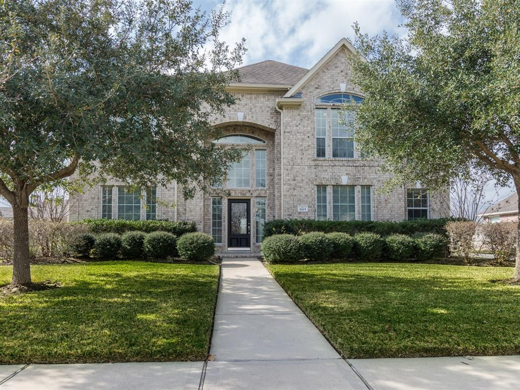 Photo of home for sale at 2615 Thompson Crossing Drive, Richmond TX