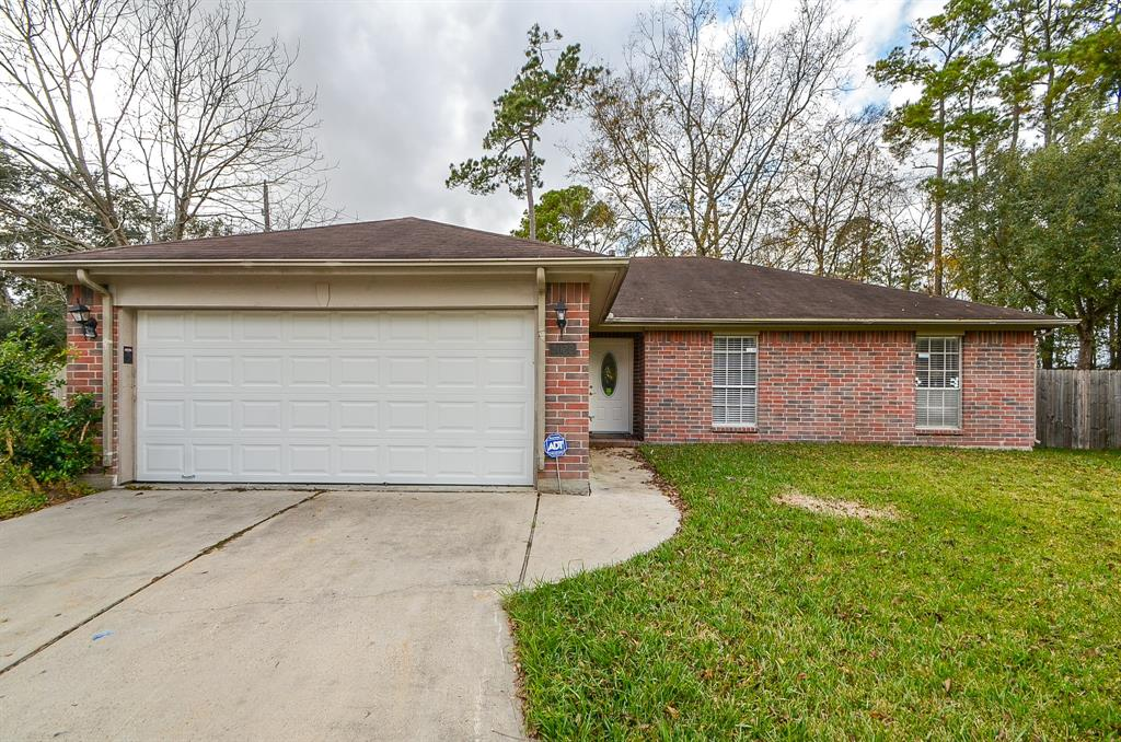 Photo of home for sale at 3022 Pheasant Run, Humble TX