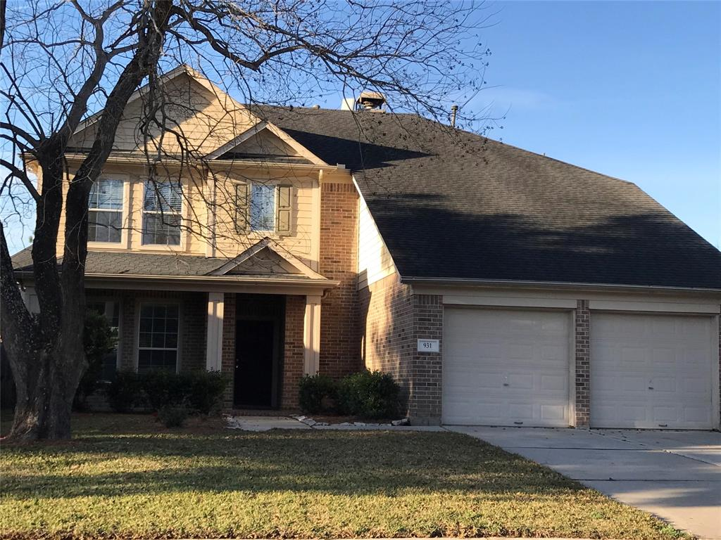 Photo of home for sale at 931 Sierra Springs Lane, Spring TX