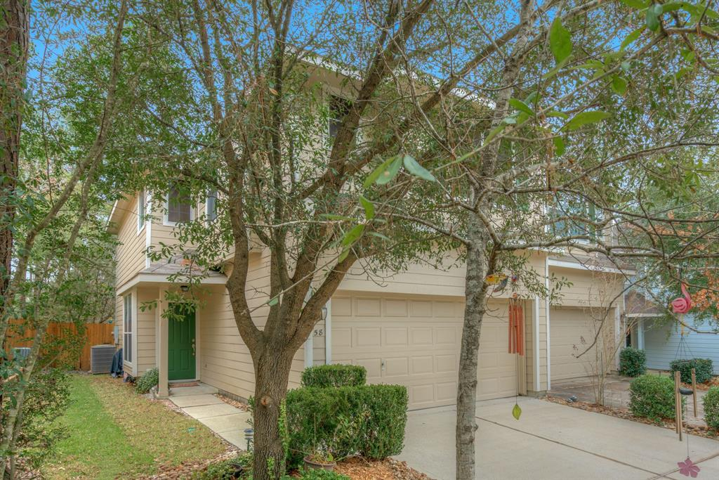 Photo of home for sale at 58 Stedhill Loop E, Conroe TX