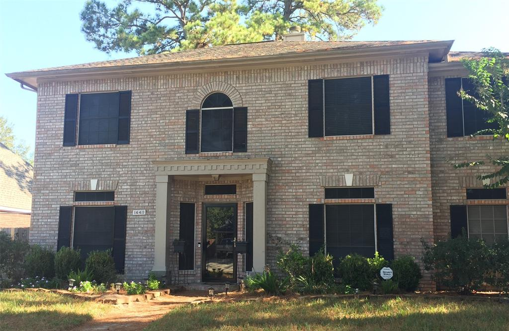 Photo of home for sale at 16411 Avenplace Road, Tomball TX