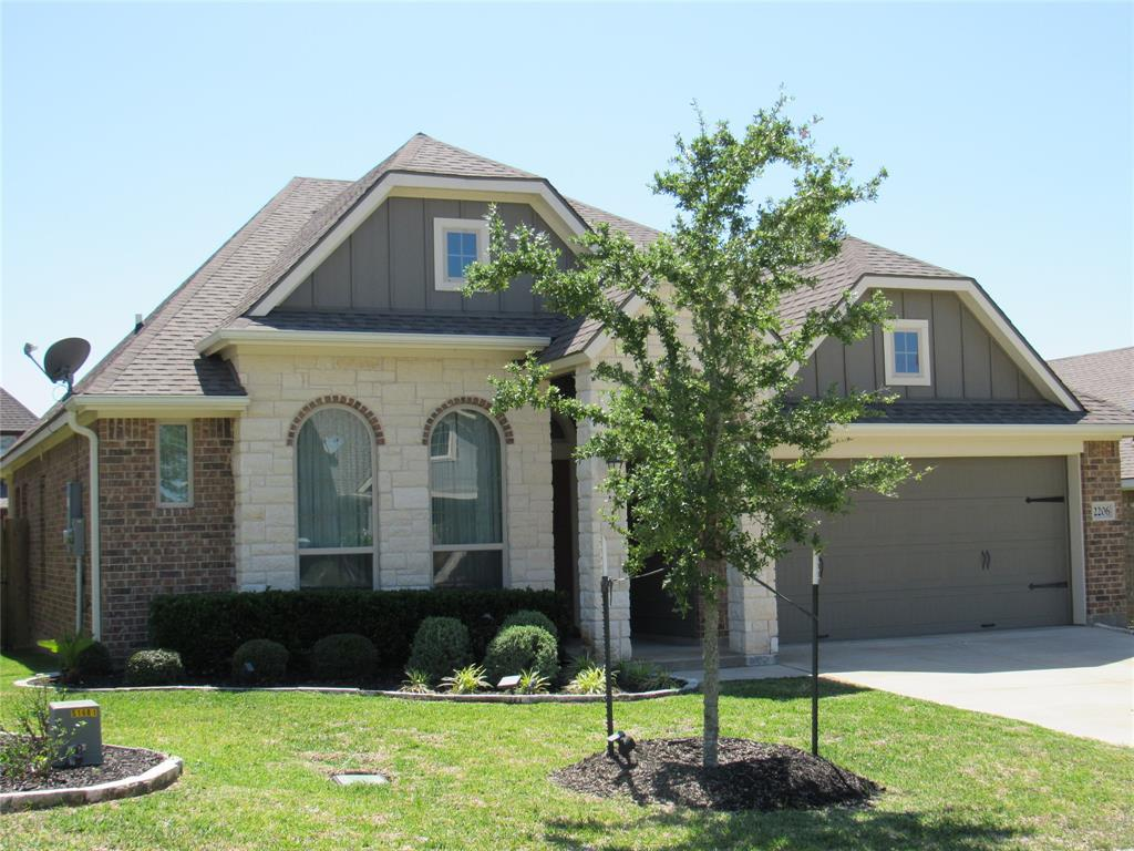 Photo of home for sale at 2206 Parker Ct, Brenham TX