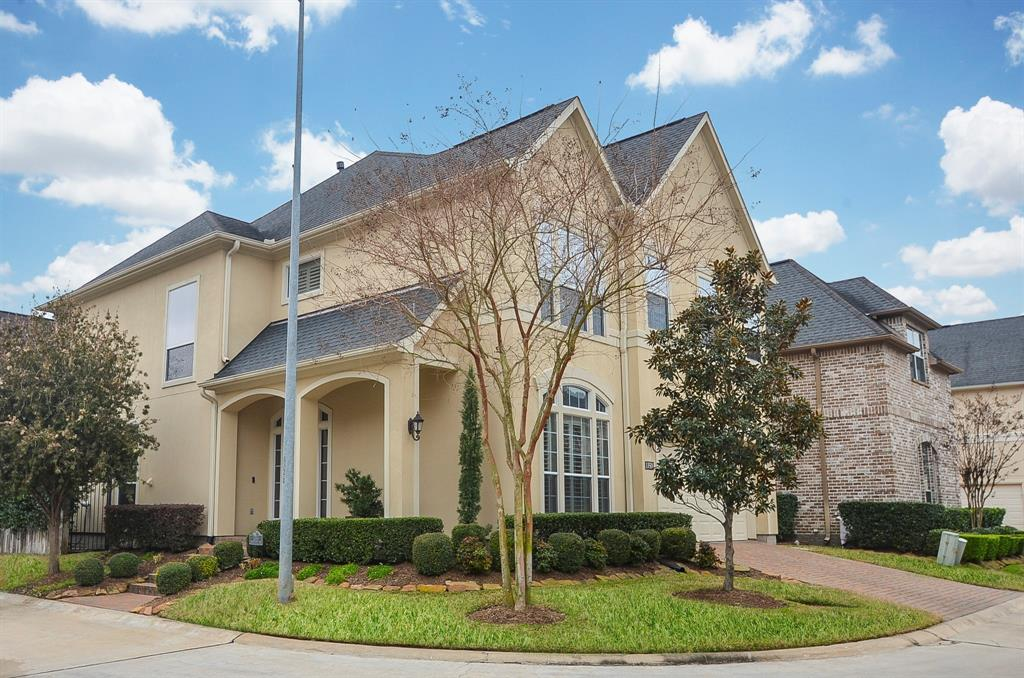 Photo of home for sale at 13511 Broadmeadow Lane, Houston TX