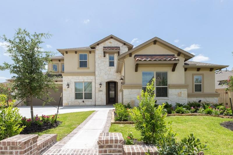 Photo of home for sale at 17111 Covey Trail, Cypress TX