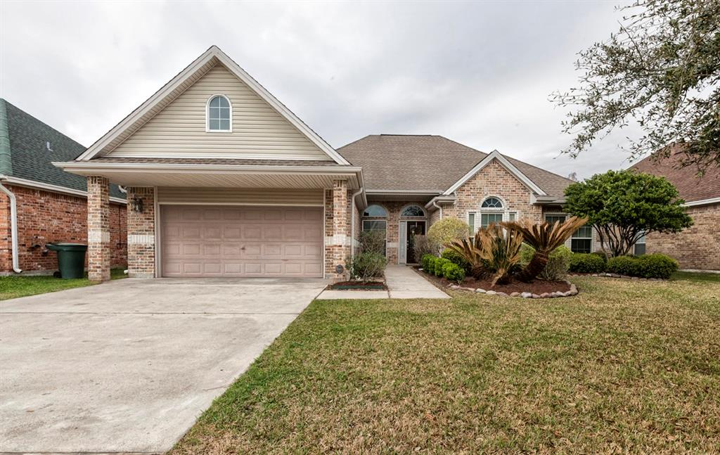 Photo of home for sale at 2455 Amberwood Drive, Beaumont TX