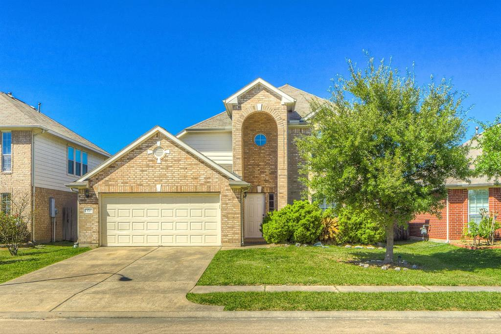 Photo of home for sale at 13918 Fort Nelson Drive, Houston TX