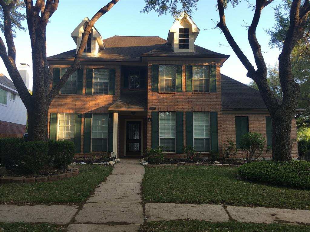 Photo of home for sale at 17427 Marigold, Sugar Land TX