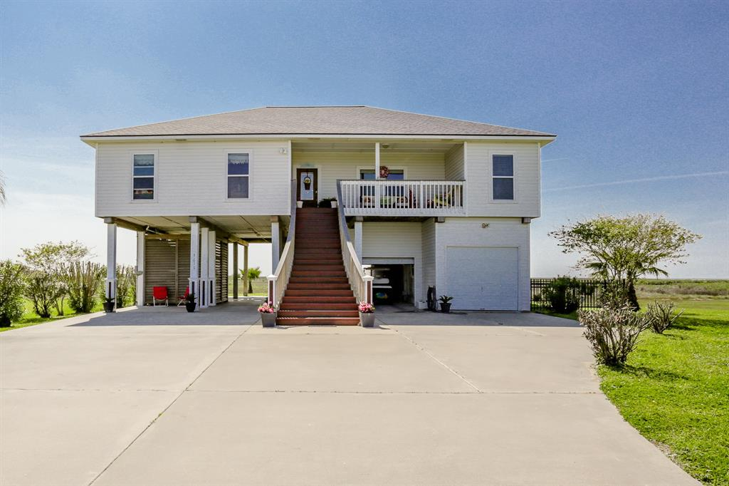 Photo of home for sale at 3610 Indian Beach Drive, Galveston TX