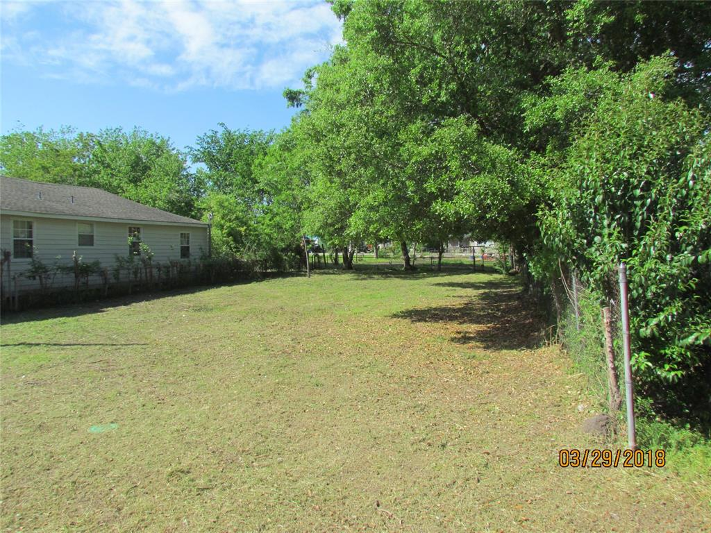 Photo of home for sale at 4219 Knoxville Street, Houston TX