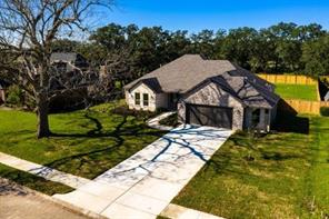 Property for sale at 701 Heritage Oaks Drive, Angleton,  Texas 77515