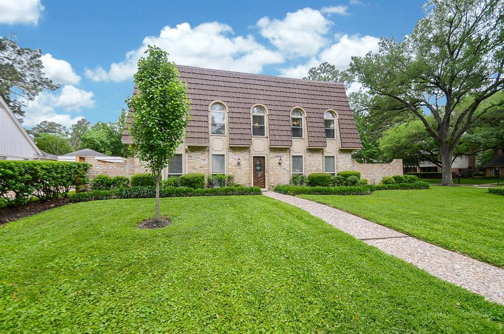 Photo of home for sale at 13319 Glen Erica Drive, Houston TX