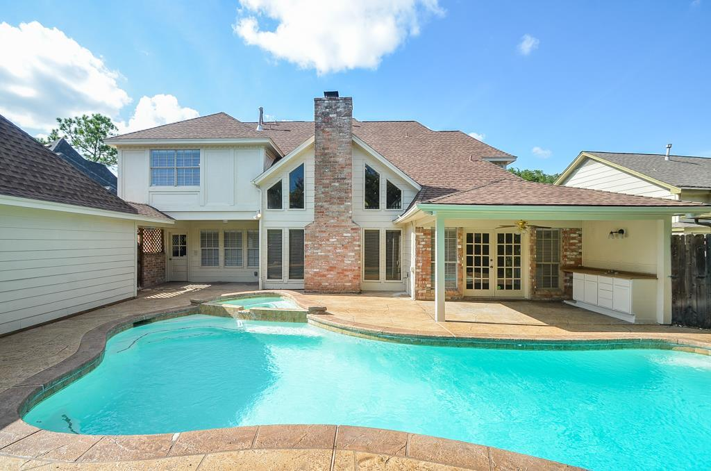 Photo of home for sale at 20631 Castle Bend Drive, Katy TX